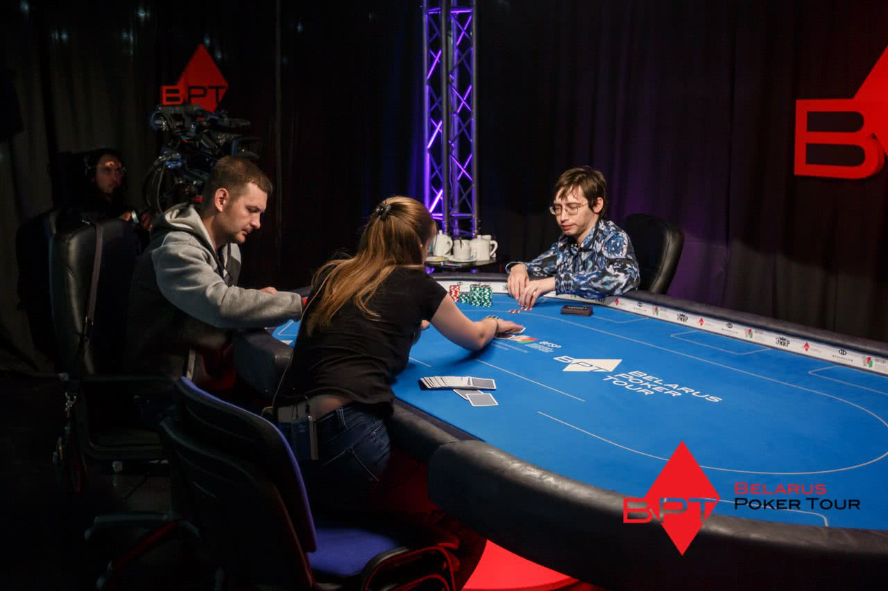 TOP 3 razdac na finalnom stole Academy Poker Grand Event 5 07d40
